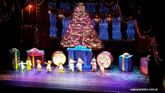 christmas spectacular radio city music hall